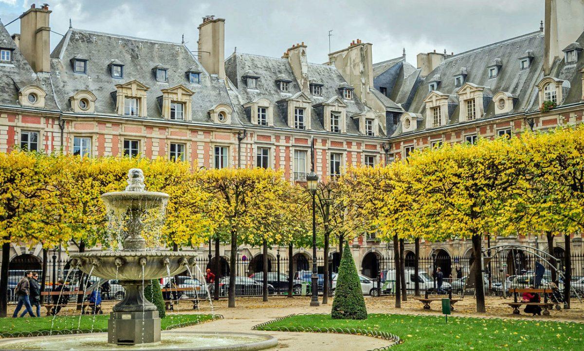Style Report: Place des Vosges, Paris