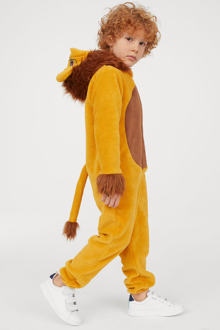 Style Report: Carnaval Outfit H&M